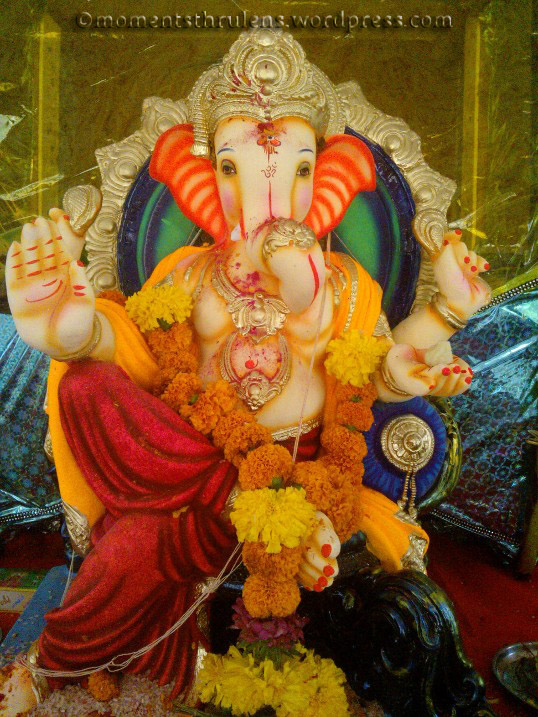 One more pic of Ganpati at society....loved the idol and how divine it looks......its all Lord Ganesha's grace that i could feel the presence n aura of almighty.